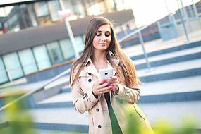 smartphone-person-girl-texting