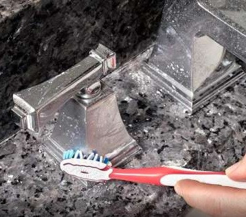 Use toothpaste in many creative ways