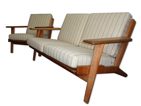 Wegner: 2 personers sofa og lav lænestol