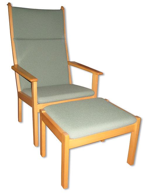 Wegner lænestol med fodskammel i bøg