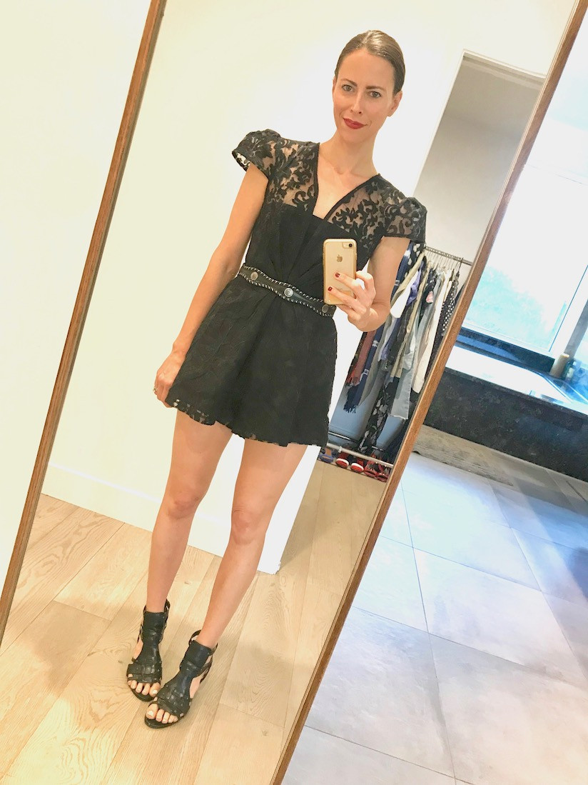 shopping-selfie-model-influencer-fashion-thrift