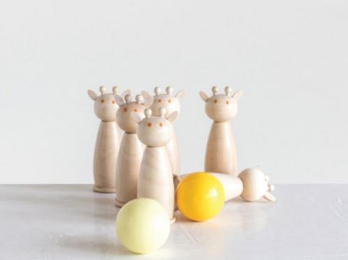 Giraffe Bowling Game