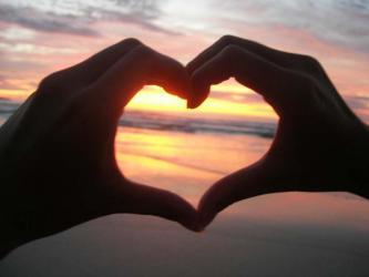 Coeur-avec-les-mains.jpg