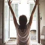 window-1148929_1920.jpg