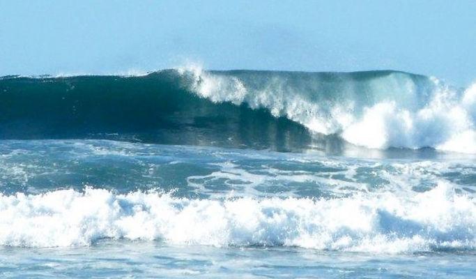 hawaii-north-shore-surf-835px.jpg