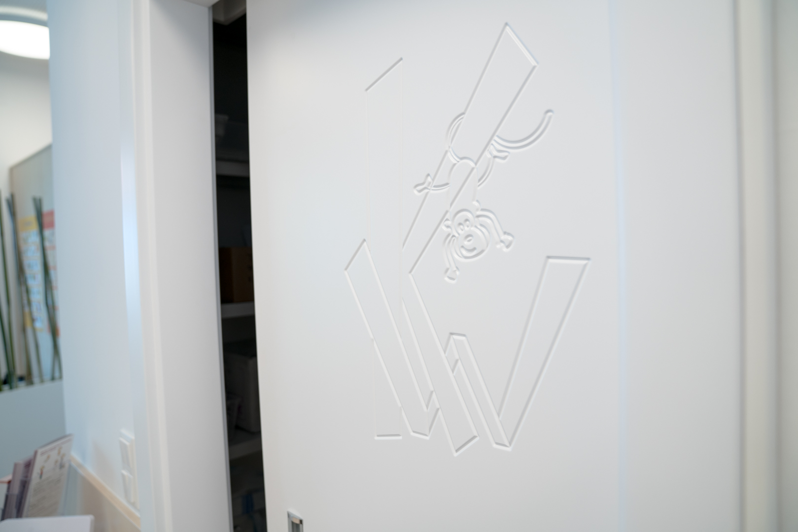Logo in Tür