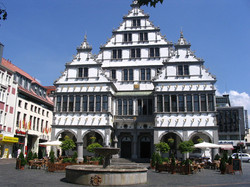 1200px-Rathaus_Townhouse_Paderborn_Germany