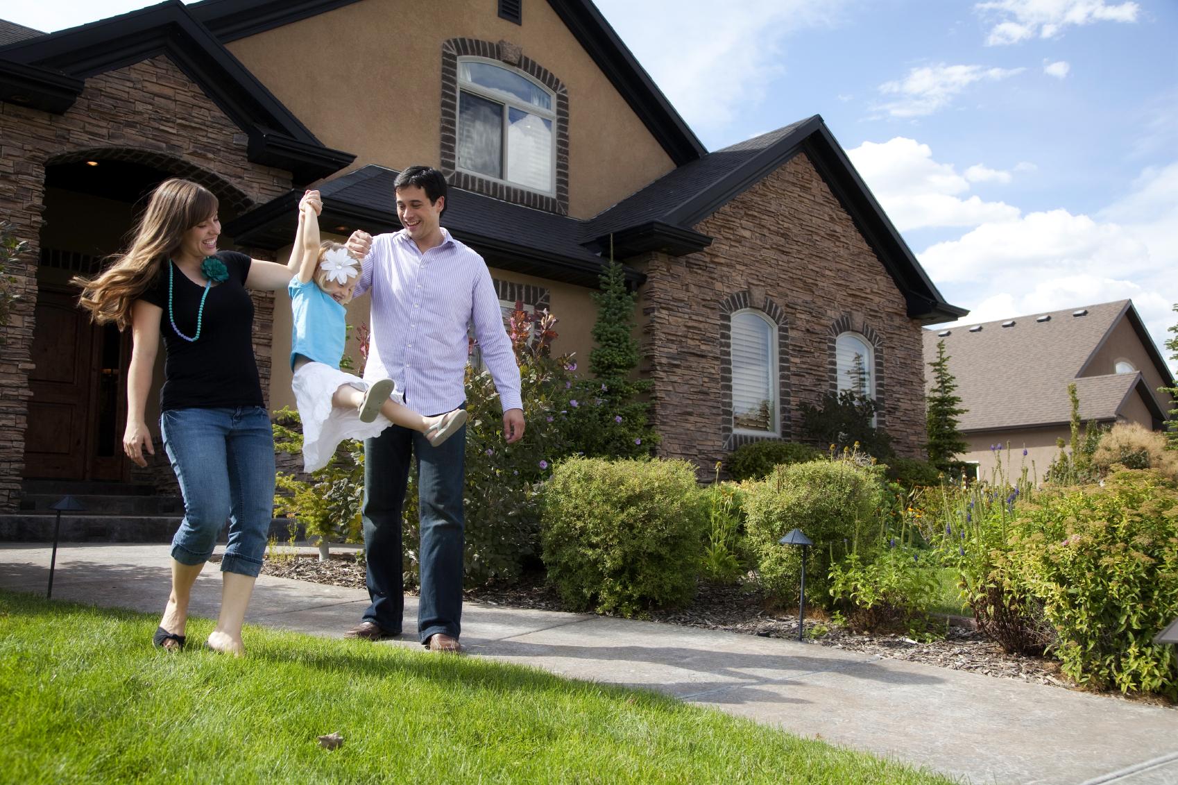 Family-leaving-house.jpg