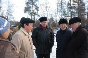 Иван Слепцов рекомендовал хозяйствам подготовить бизнес-планы по развитию молочного и мясного животн