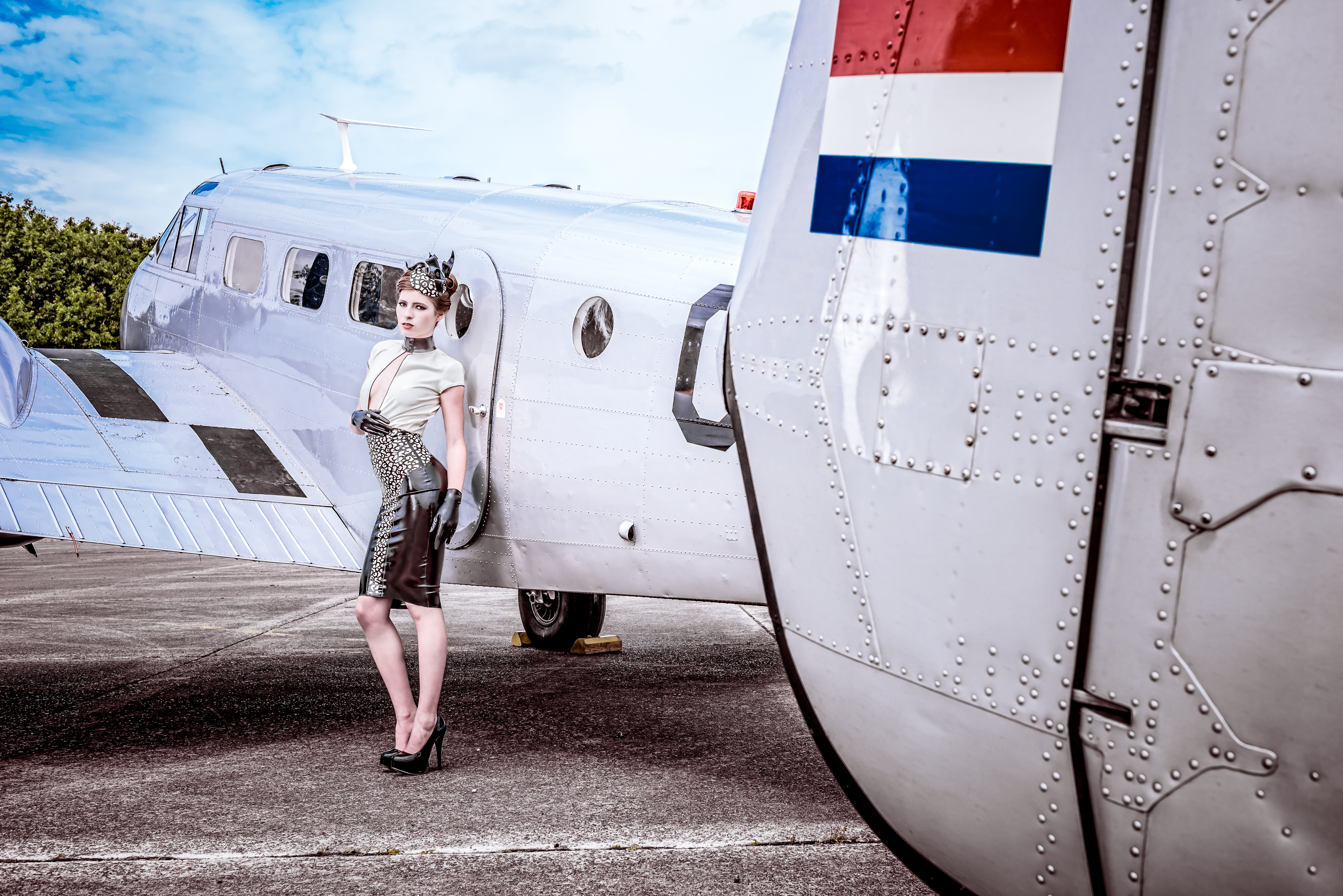 Airplanes-&-babes-03-01