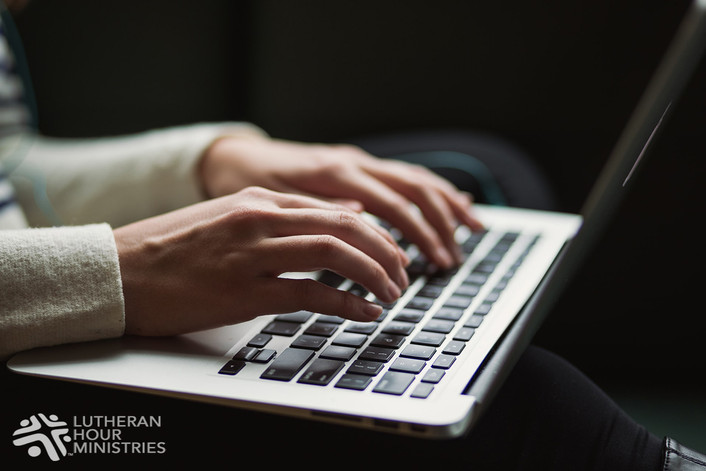 WOMAN CONNECTS WITH LHM THROUGH ONLINE WORKSHOP