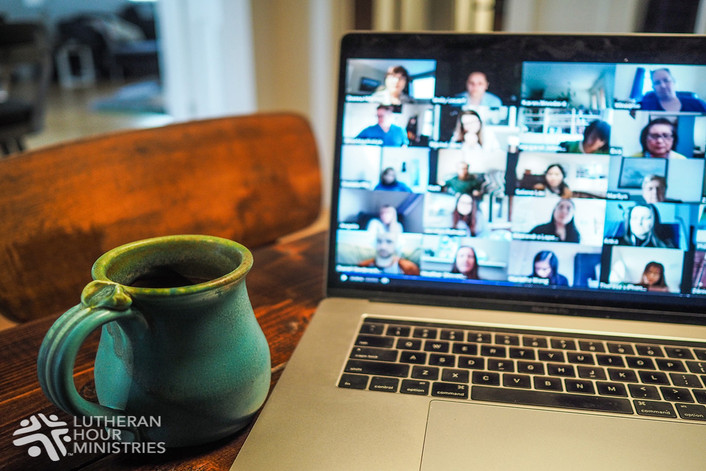 MOTHER STRENGTHENED BY VIRTUAL WORKSHOP