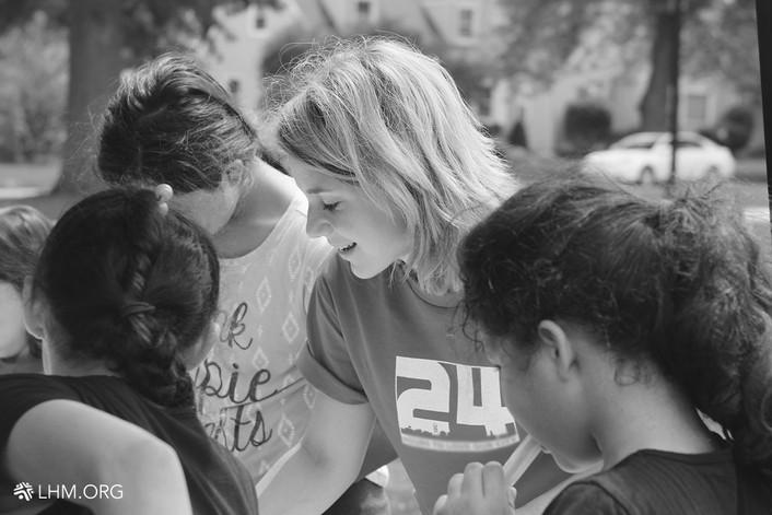 VOLUNTEER SHARES THE HOPE OF JESUS