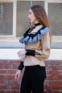 frill top low 01