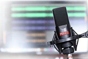 studio microphone with a podcast icon cl
