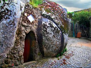Другая Португалия. Поселок Монсанто