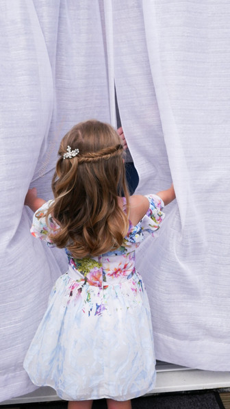 Bridal hairstylist in bromley| flowergirl hair