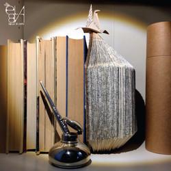 BOOKEND - BOOKS ADDICTED