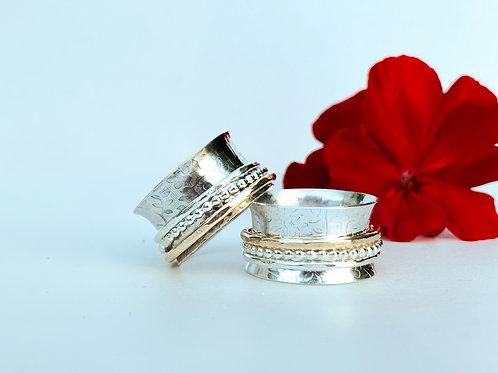 Little Flower Spinner ring