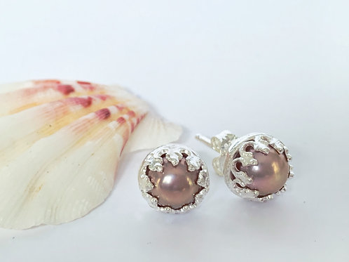 Mauve pearls stud earrings in sterling silver