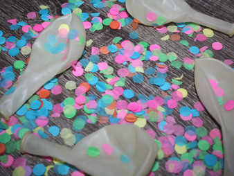 What's Hot? - Confetti Filled Balloons