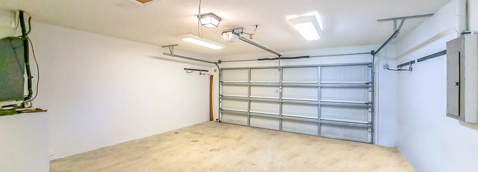Garage no clutter