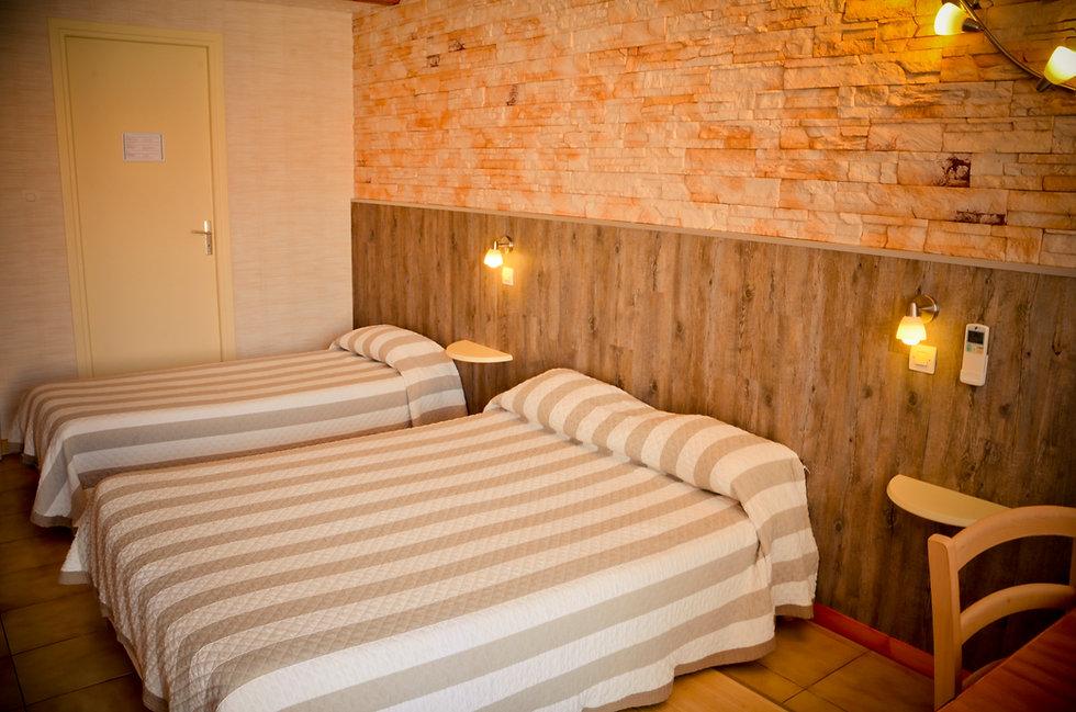 Chambre Hôtel Les pins Hourtin