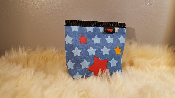 Paprika-Magnetbag, Sterne bunt auf blau