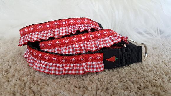 Paprika Halsband Herzerl und Rüscherl rot