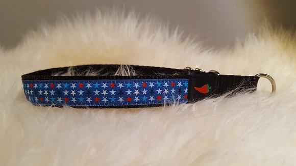 Paprika Halsband kleine Sterne auf blau