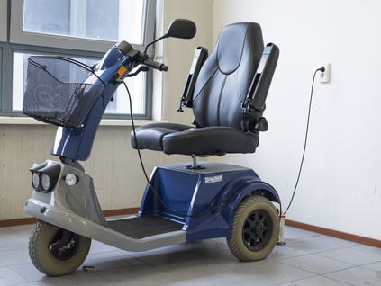 Egy moped megváltoztatná a mozgáskorlátozott, 4 gyerekes apa életét