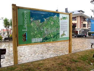 Señalización turística en Liencres (Cantabria)