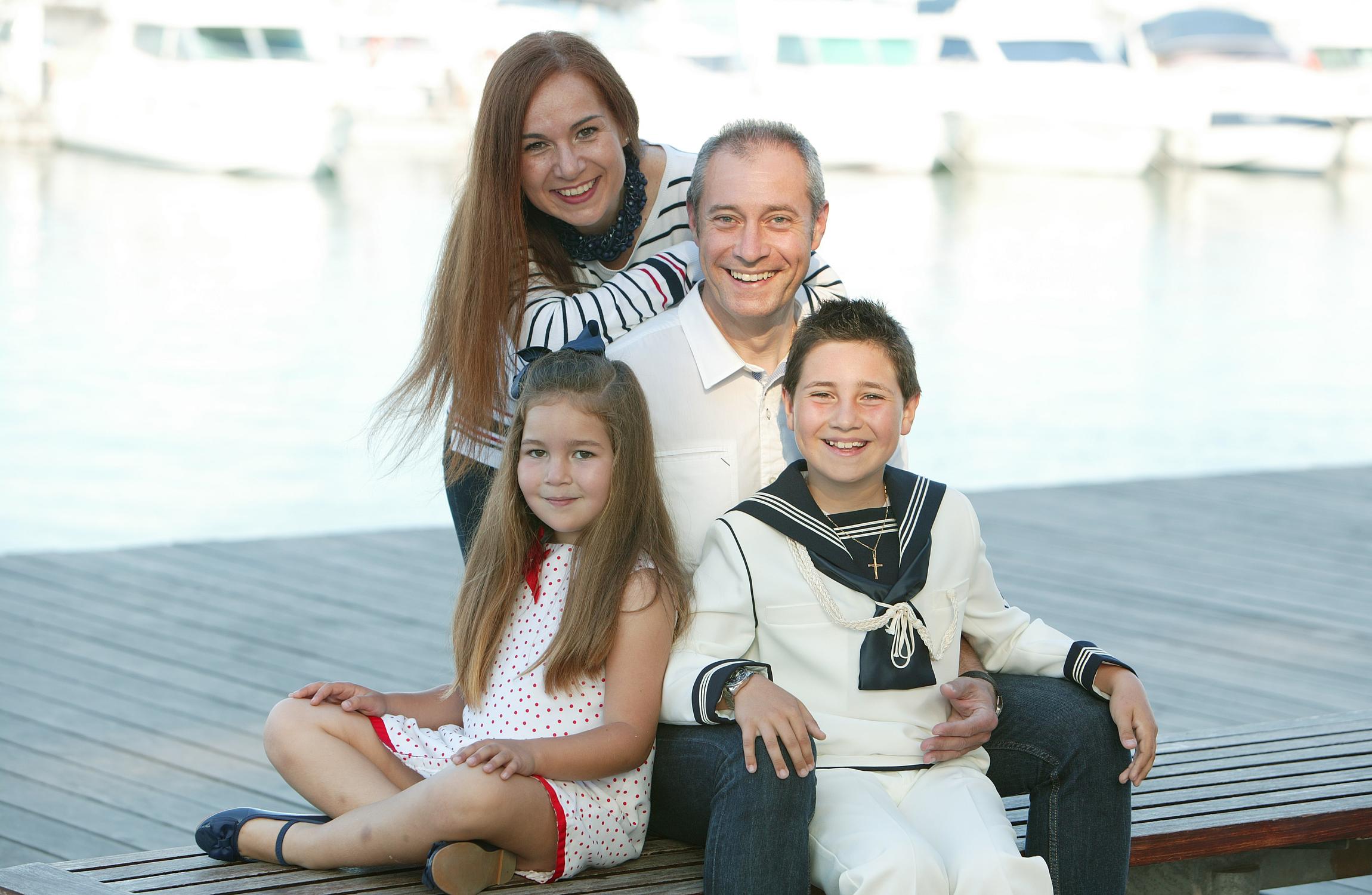 Marcos y  Elena  con  sus padres