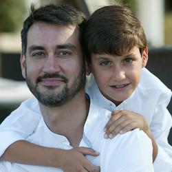 Adrián_con_su_padre