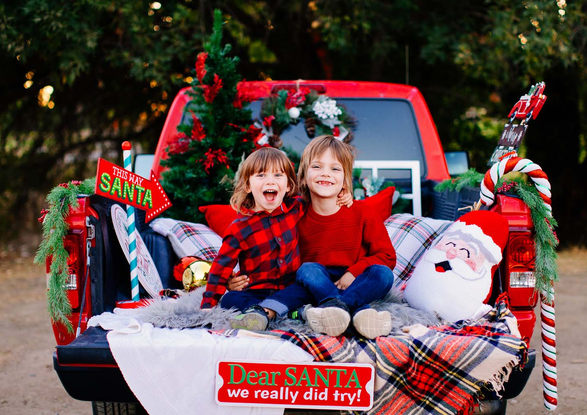 Vintage Truck Christmas Mini Sessions, mini sessions la, los angeless family photography, holiday minis