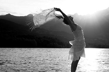 Tonyia propose des cours de yoga en Rhône-Alpes Drôme provençale.