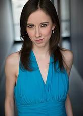 Julie McNamara (Headshot).png