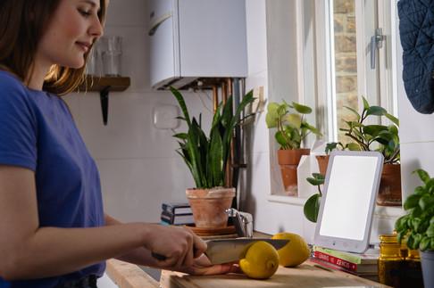 led light kitchen knife lemons.jpg