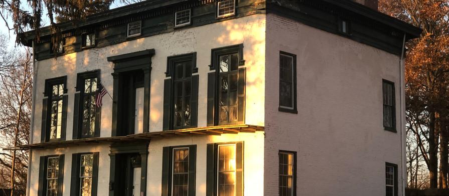 Exterior House Pic.jpg