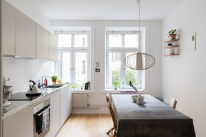 Casa Belle is a renovation of an apartment for a young couple. The renovation project, design, furnitures and style is done by me. Photography and saling disposition is done in collaboration with Tove Sthen and the sales agency Fastighetsbyrå in Malmö.