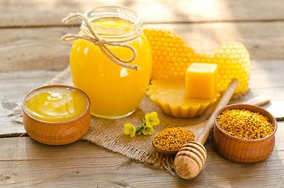cera-d-api-proprieta-utilizzi-e-dove-tro
