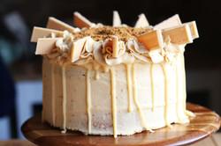 Caramac & Biscoff Cake
