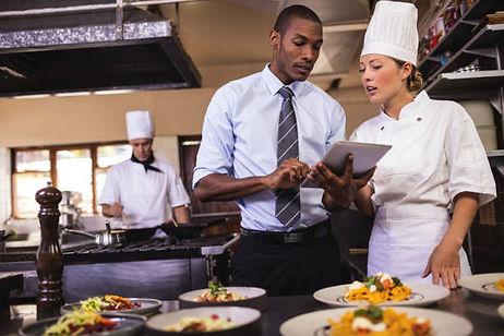 restaurant manager 2.jpg