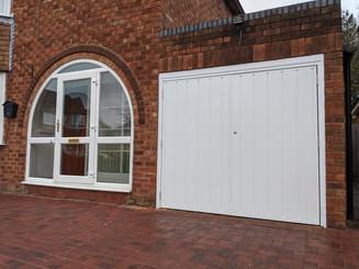 Side hinge door
