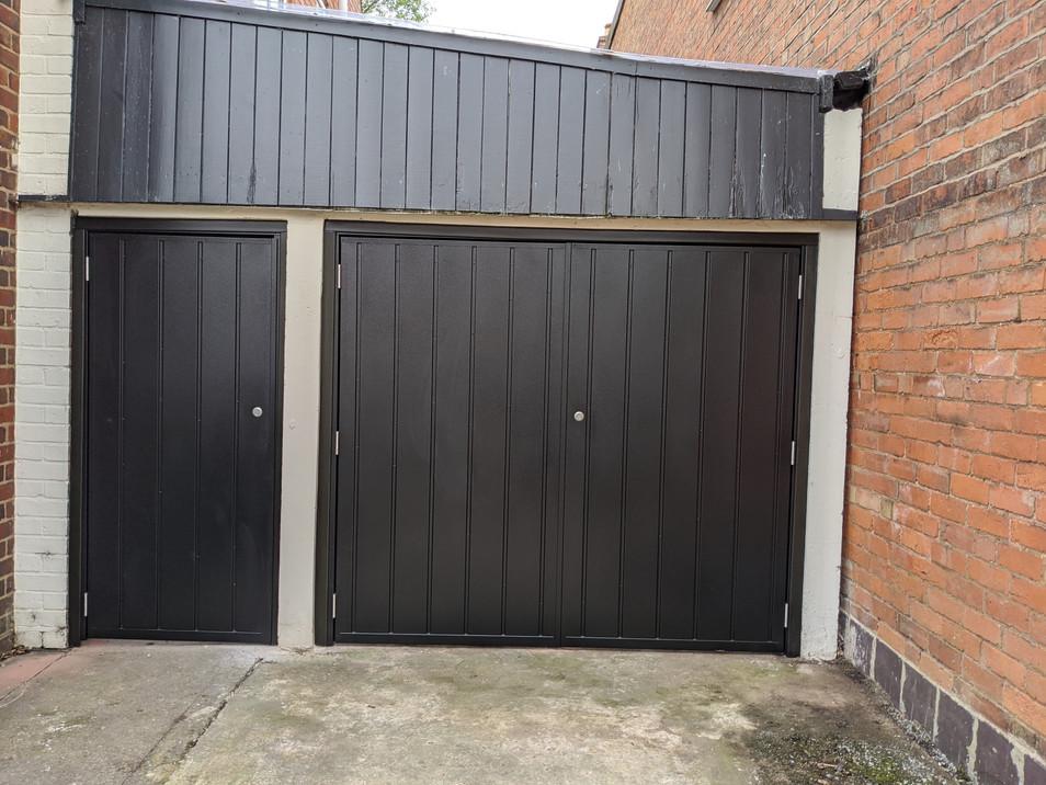 Matching side hinge doors