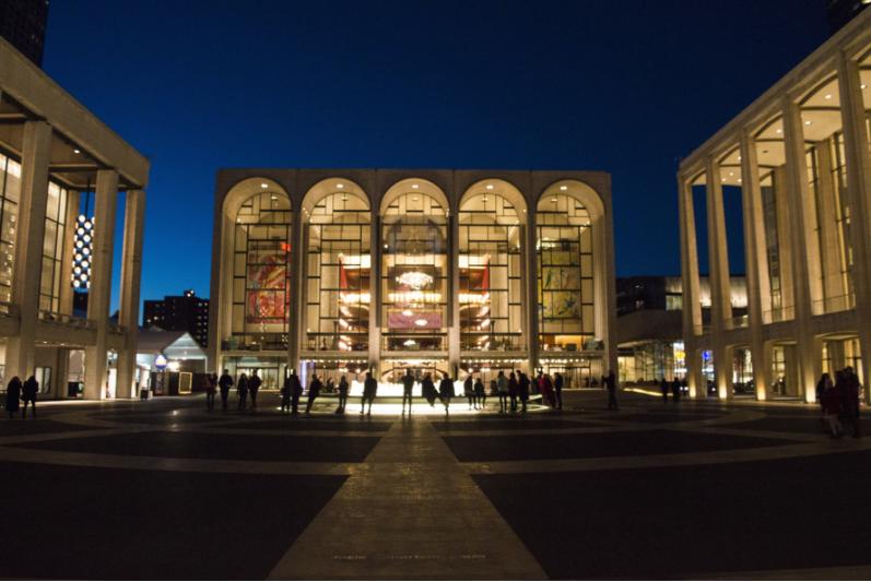 the metropolitan opera at lincoln center in New York City