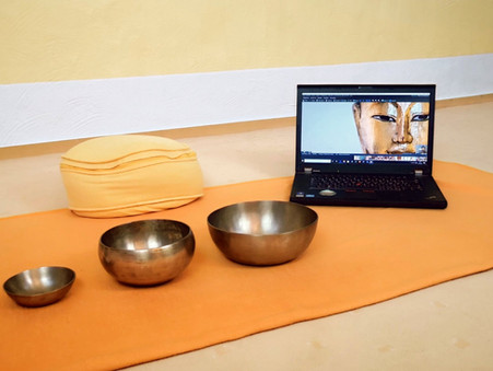 Online-Präventionskurse:  Yoga & Stressmanagement im Homeoffice; morgens, mittags oder abends (12x)