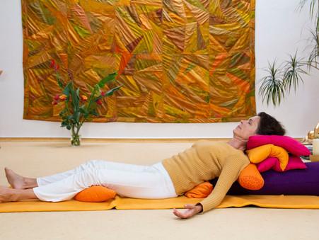 Yoga & Stressmanagement | Online |             Neue 12-Wochen-Präventionskurse | ab Januar 2021