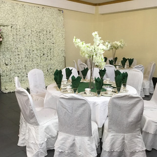 Kleine Saal grüne Tischdeckoration.jpg