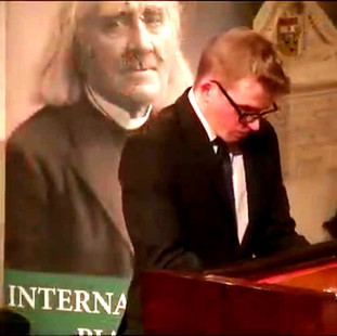 Stephen Gott Pianist at The Liszt Society Stephen Gott Pianist at The Liszt Society International Piano Competition 2019